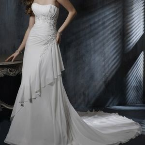 Maggie Sottero A-line Bridal gown Ivory